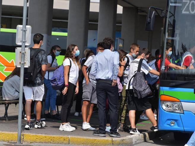 """Forza Italia Bergamo: """"Flash mob per il sostegno al trasporto privato turistico e scolastico"""""""
